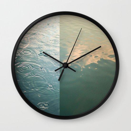 Reflecting Wall Clock