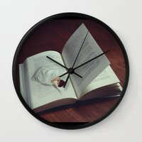 DREAM PAGES Wall Clock