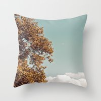 fairytale of new york... Throw Pillow