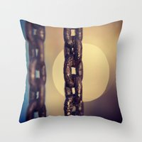 CHAIN2 Throw Pillow