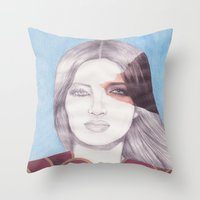 RETRATO 240413 Throw Pillow