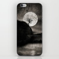 The Moon and the Tree.. iPhone & iPod Skin