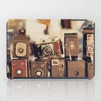Old Cameras (Vintage and Retro Film Cameras Collection) iPad Case