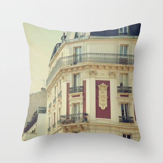 La Parisienne Throw Pillow
