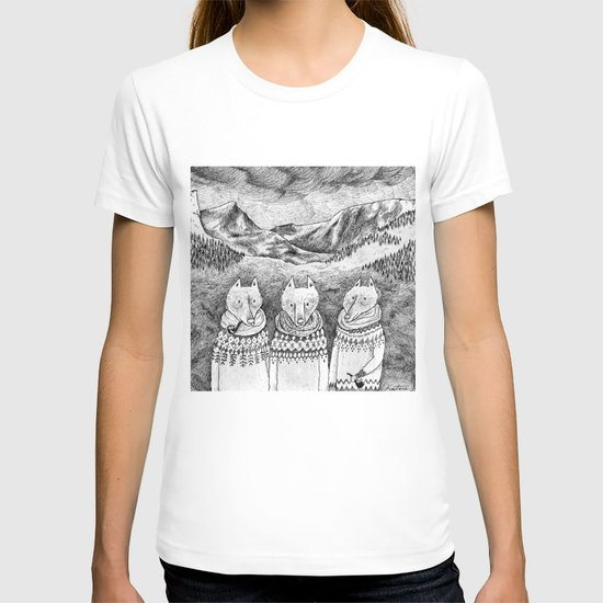 Icelandic foxes T-shirt