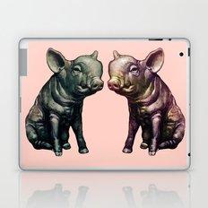 true love (pig love) Laptop & iPad Skin