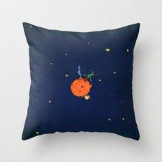 le petit Alien Throw Pillow