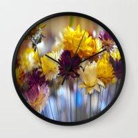 Straw flowers Wall Clock