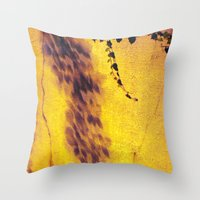 the crack Throw Pillow