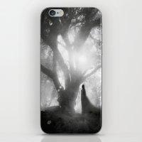 Black And White - Autumn… iPhone & iPod Skin