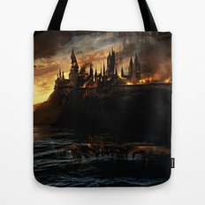 Harry Potter - Hogwart's Burning Tote Bag