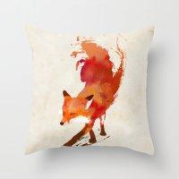Vulpes vulpes Throw Pillow