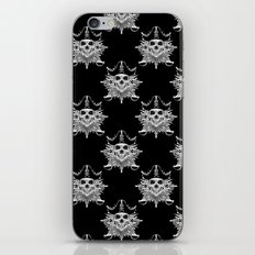 Pirate Skull And Crossbones with Grunge Effect iPhone & iPod Skin