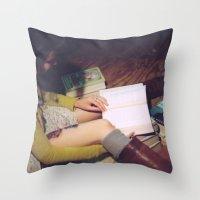 Bookish 05 Throw Pillow