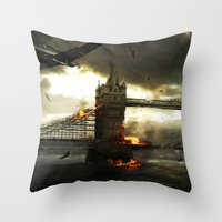 Thames Battle Throw Pillow