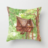Treehouse Retreat Throw Pillow