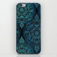 Black & Aqua Protea Dood… iPhone & iPod Skin