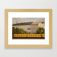 STREETART :: BERLIN :: G… Framed Art Print