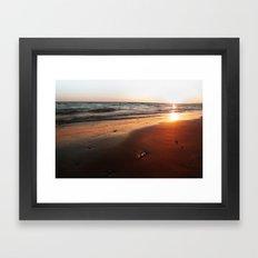 BEACH DAYS VI Framed Art Print