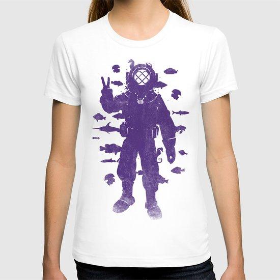 peace under water T-shirt