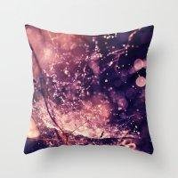Where fairies dwell Throw Pillow