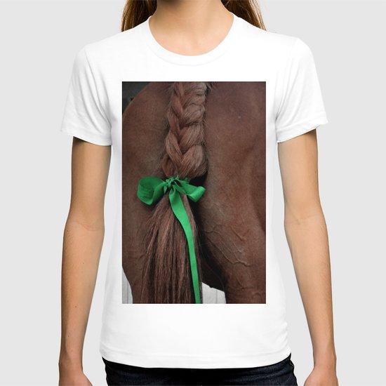 Braided horse tail T-shirt