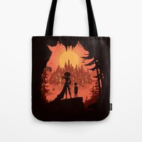 Traveling with the Queen Tote Bag