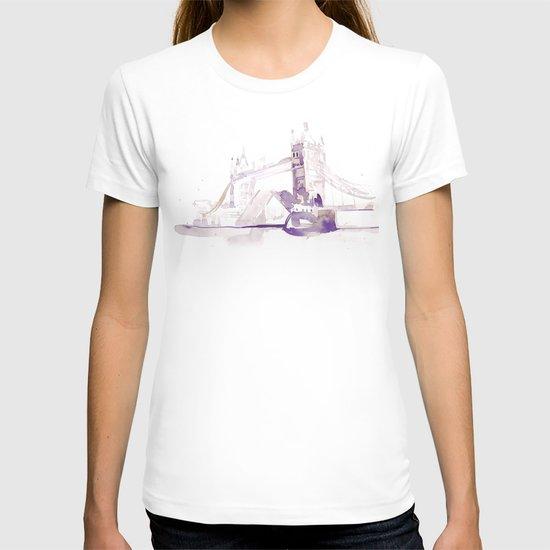 Watercolor landscape illustration_London Bridge T-shirt