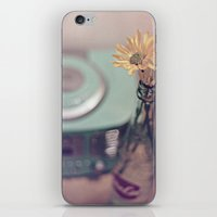Daisies With Vintage Rad… iPhone & iPod Skin