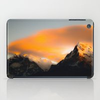 Welcoming dawn in the mountains iPad Case