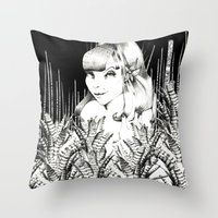 UZU JUNGLE FEVER   Throw Pillow