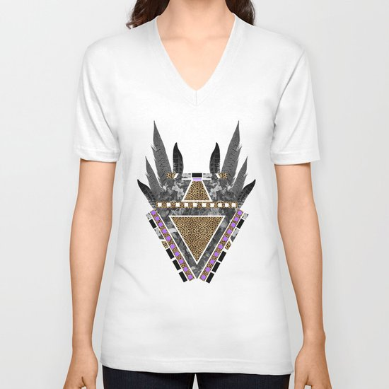 AKECHETA  V-neck T-shirt