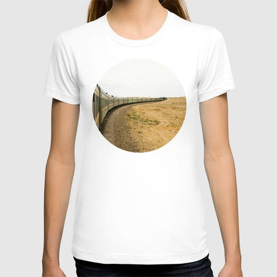 let's travel! T-shirt