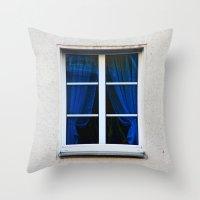 Fenster 1 Throw Pillow