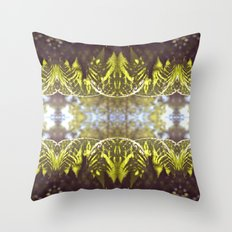 Helecho Throw Pillow