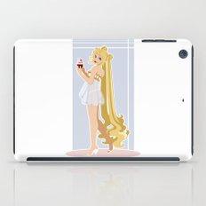 Sailor Moon Pinup - Usagi Cupcake iPad Case