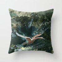 masalsı kuşlar Throw Pillow