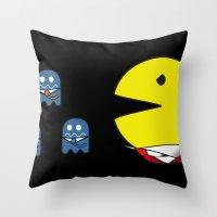 pacman effect Throw Pillow