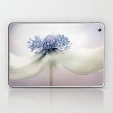 Anemone dreaming Laptop & iPad Skin