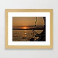 Proa al sol Framed Art Print