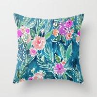 PARADISE FLORAL - NAVY Throw Pillow
