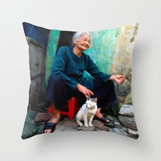 Old Woman With Cat - VIE… Throw Pillow