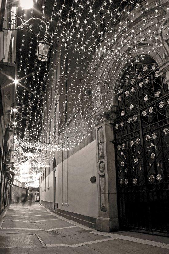 Christmas lights at Johnson's Court, Dublin Art Print