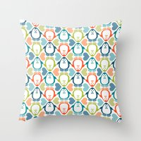 NGWINI - penguin love pattern 5 Throw Pillow