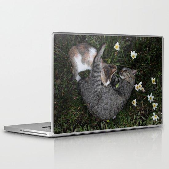 Sleep [A CAT AND A KITTEN] Laptop & iPad Skin