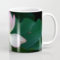 Bee line to the Lotus Mug