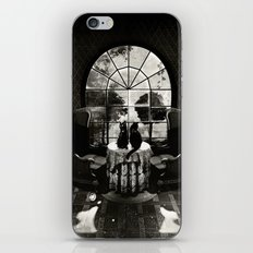 Room Skull B&W iPhone & iPod Skin