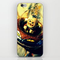 A Flying Saucer Christma… iPhone & iPod Skin