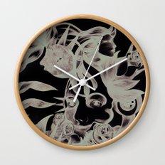 Rosas y espinas Wall Clock