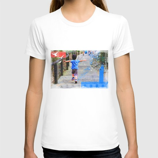 learning to fly 02 T-shirt
